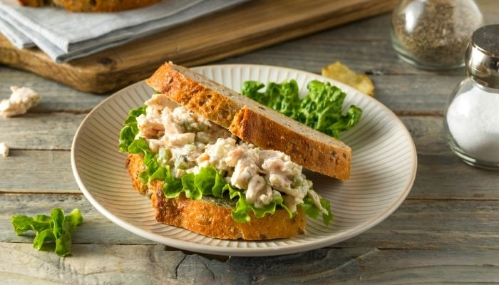 serve chicken salad with sandwich